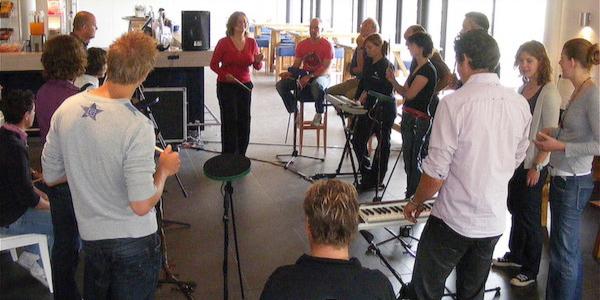 teambuilding activiteiten muziek maken samenwerken, collaboration, team building activities